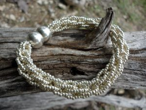 Kumihimo on the Marudai: Beginner Continuous Beaded Braid Photo by Linda Richman